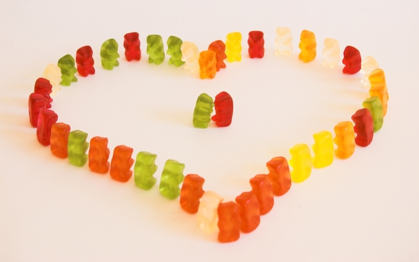 day_87___gummy_bear_love_by_mondsplitter.jpg