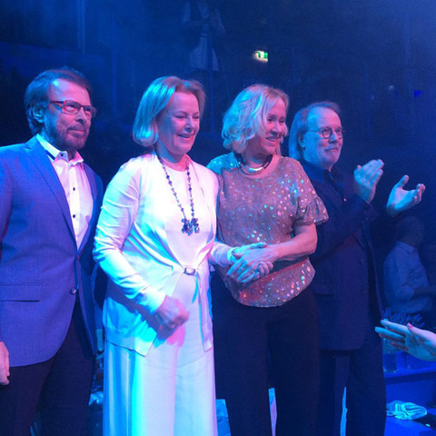ABBA-Reunion-at-restaurant-cropped-0002.jpg