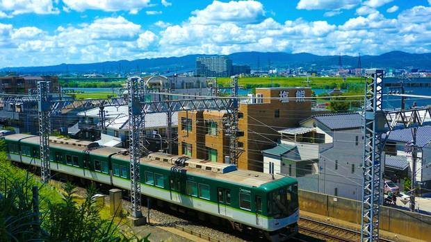 淀川と京阪電車.jpg