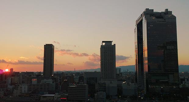 グランフロントから見る夕日.jpg